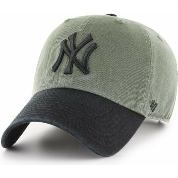 casquette-courbee-verte-avec-visiere-et-logo-noire-new-york-yankees-mlb-clean-up-two-tone-47-brand