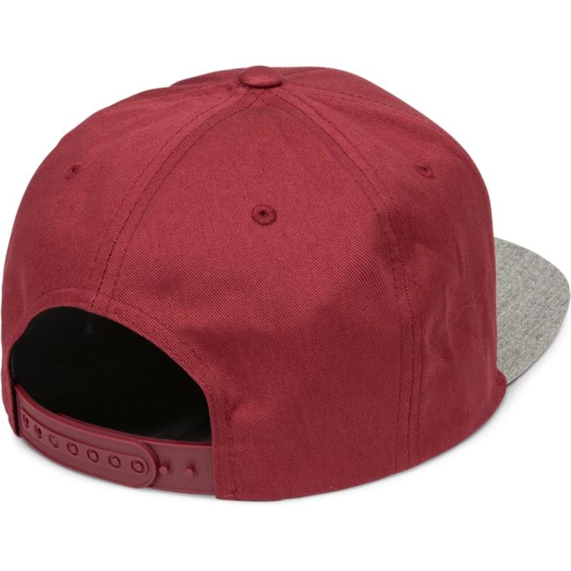 3ae69a57510 Casquette plate rouge snapback avec visière grise Quarter Twill ...