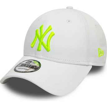 Casquette courbée blanche ajustable avec logo vert 9FORTY League Essential Neon New York Yankees MLB New Era