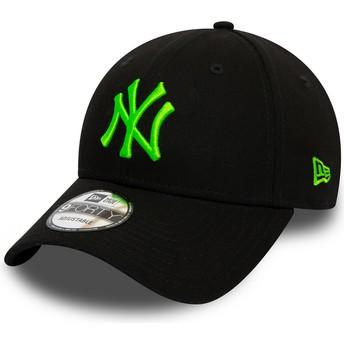 Casquette courbée noire ajustable avec logo vert 9FORTY League Essential Neon New York Yankees MLB New Era