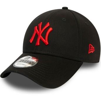 Casquette courbée noire ajustable avec logo rouge 9FORTY League Essential New York Yankees MLB New Era