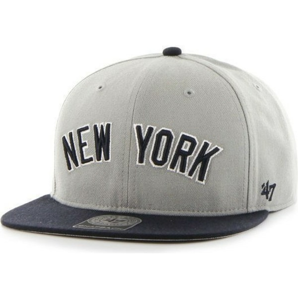 casquette-plate-grise-snapback-avec-logo-lateral-mlb-newyork-yankees-47-brand